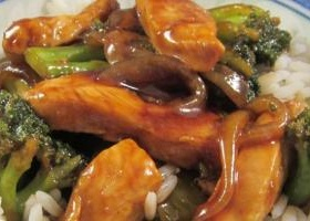 Sweet and spicy stir fry with chicken and broccoli recipe